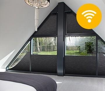 fordelene med somfy motoriserte persienner og gardiner. Black Bedroom Furniture Sets. Home Design Ideas